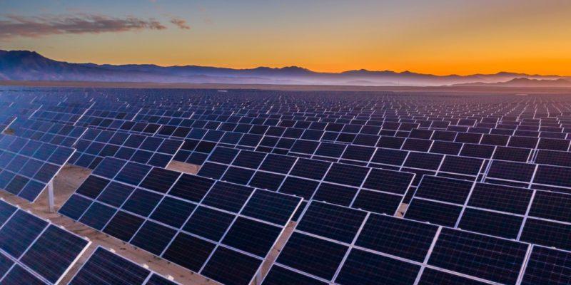 Το ΥΠΕΝ επαναφέρει τη δυνατότητα για 500άρια φωτοβολταϊκά με ταρίφες εκτός διαγωνισμού – Ένα έργο ανά ΑΦΜ για όσους δεν έχουν ήδη επενδύσει